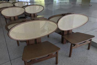 Cadeira MON, Fetiche Design, no Café do Museu Oscar Niemeyer, em Curitiba (foto Eleone Prestes)