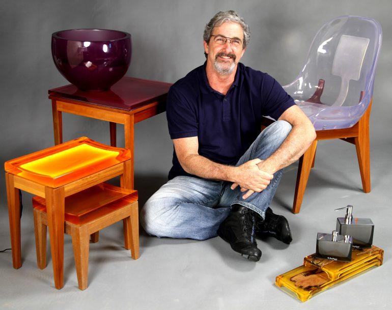 Rubens Szpilman e suas obras de design em resina