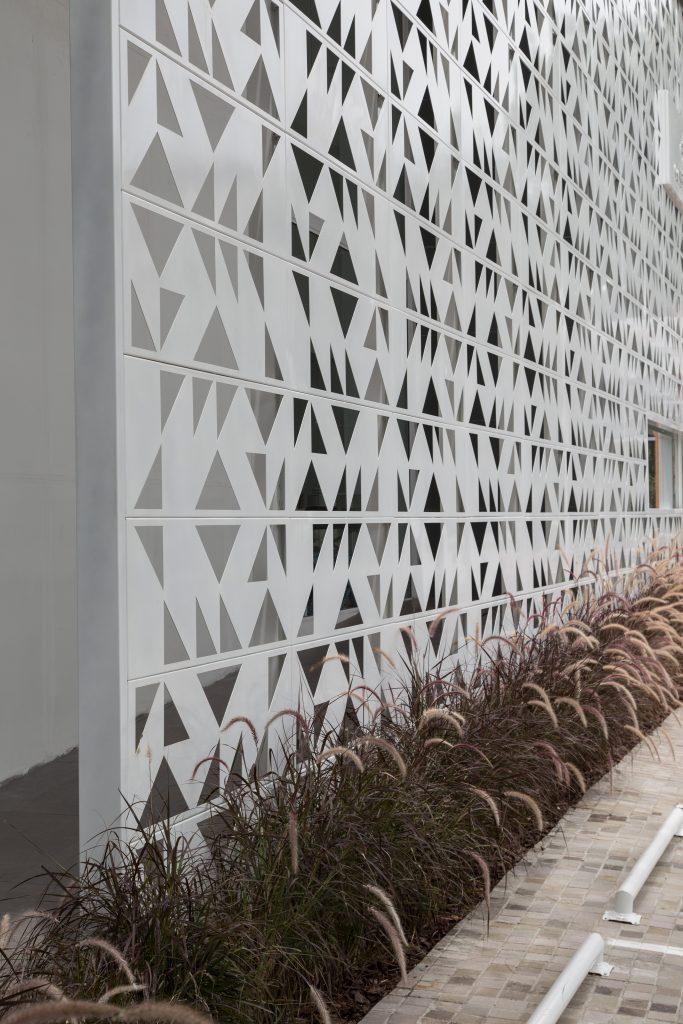 fachada-detalhe-lateral-loja-gobbinovelle