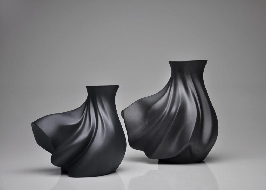Holaria-Black-Vento