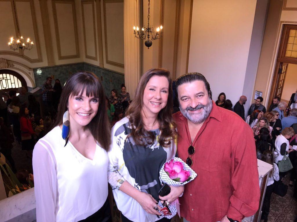 Marina Prestes, eu e Cézar Prestes. Somos uma família, mas também somos uma empresa, a Studio Prestes