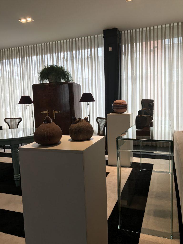 Exposição de esculturas de Bez Batti na Censi Boutique, em Caxias do Sul (Foto Studio Prestes)