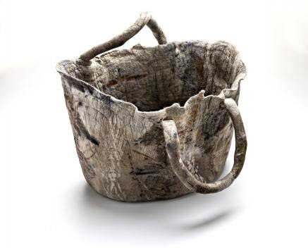 Cesto Musgo, de Ines Schertel, com trabalho feito de lã de ovelha - site eleoneprestes.com