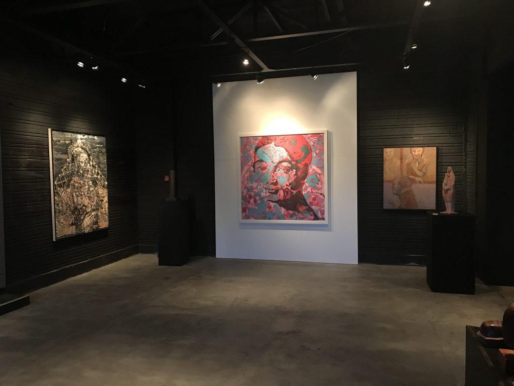 No centro da foto de Cezar Prestes/Studio Prestes, Wilbert, à esquerda, Taigo Meireles e à direita, Magliani