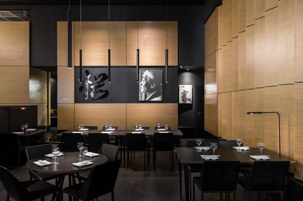 Restaurante Sakura, no Shopping Iguatemi, em POrto Alegre, projeto da AT Arquitetura