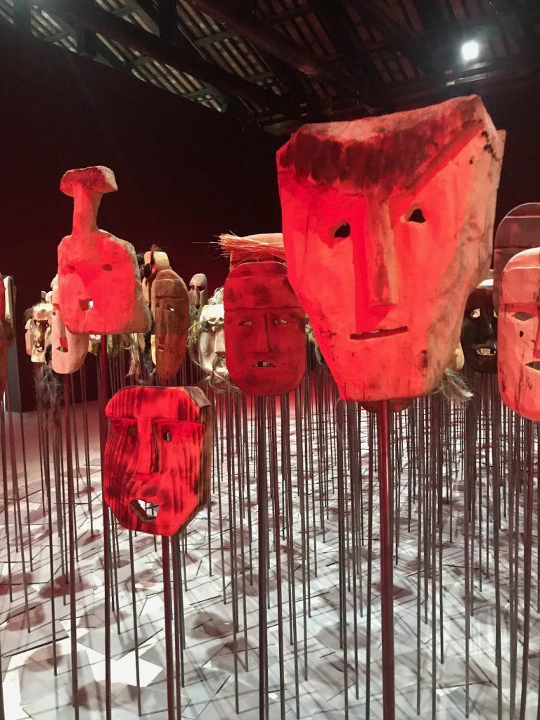 Instalação de máscaras