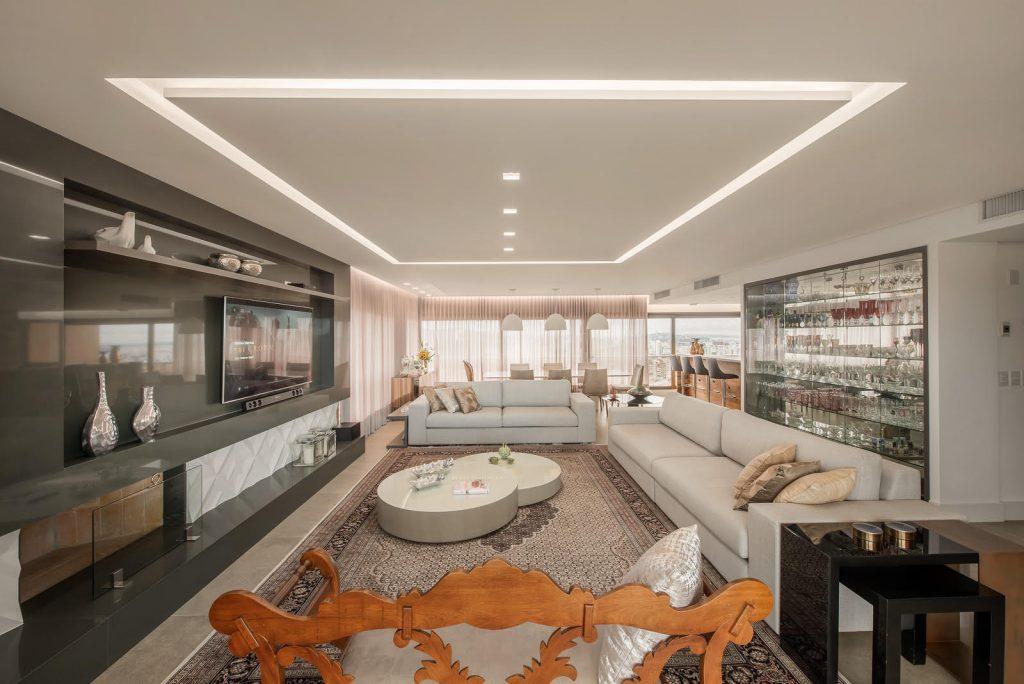 Apartamento com interiores projetados por Juliana Moura, site eleoneprestes.com