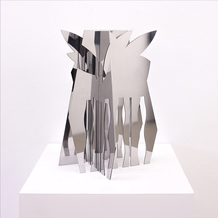 Carlos Vergara. Esculturas também fazem parte da mostra individual na Bolsa de Arte de Porto Alegre