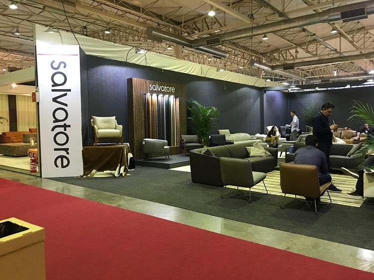 Indústria gaúcha com móveis assinados por designers, a Salvatore expôes este ano em Milão