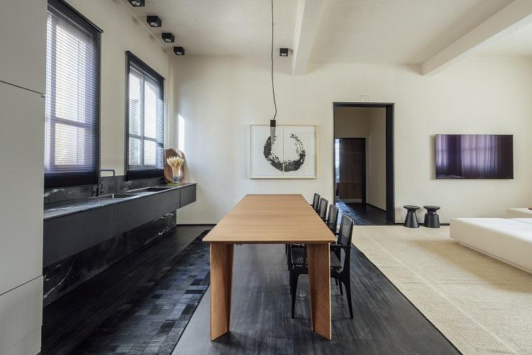 Cozinha integrada ao jantar e estar (foto Cristiano Bauce, divulgação CasaCor RS)