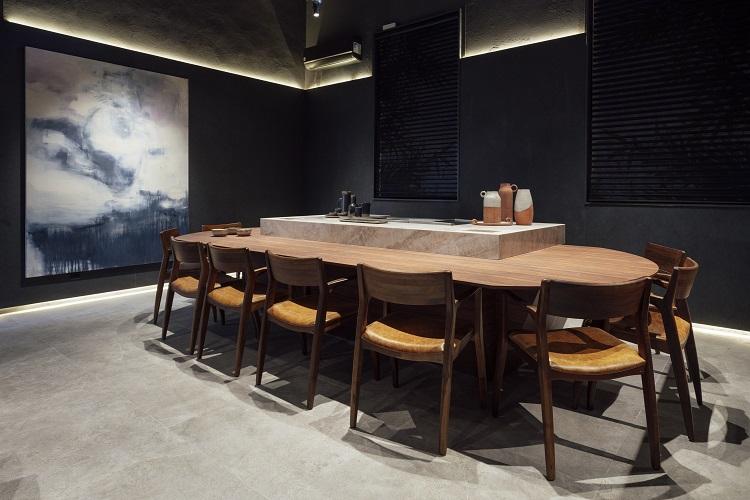 Ambiente funcional onde serão servidas iguarias preparadas por chefs