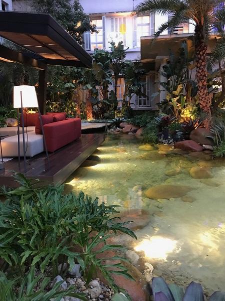 Ambiente de Canario & Tesche que dá as boas-vindas na CasaCor RS