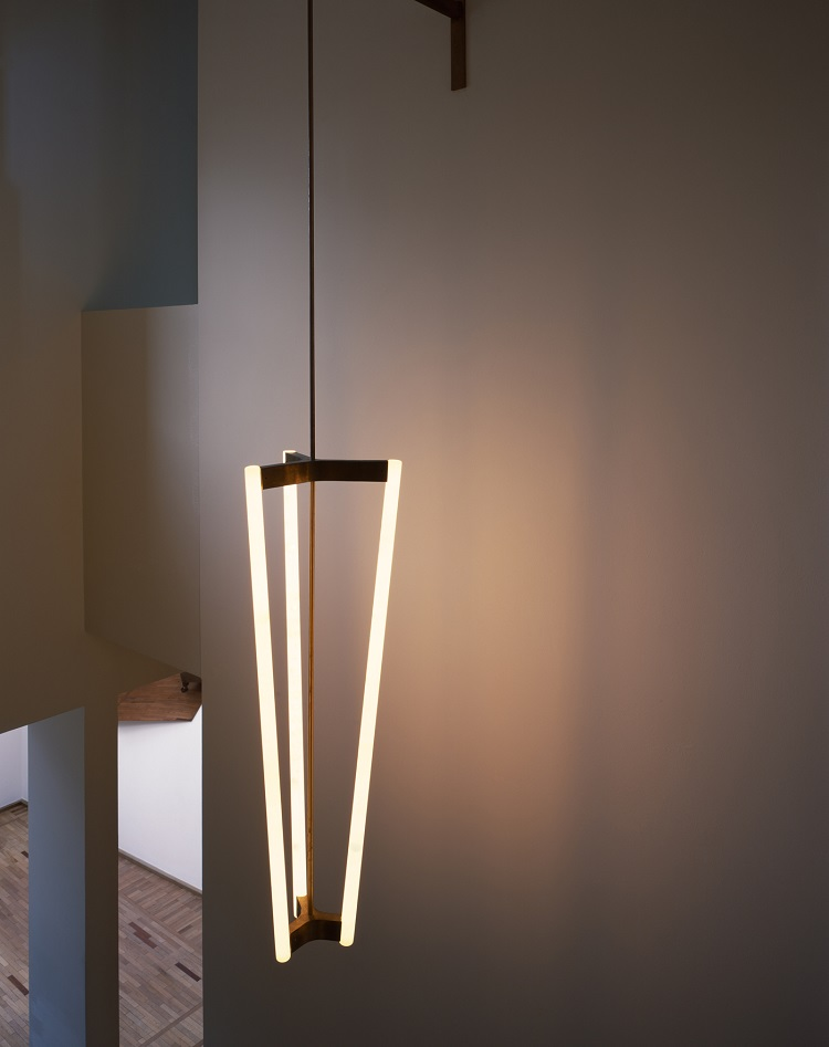 Outra proposta de luminária (foto Hélène Binet, Divulgação)