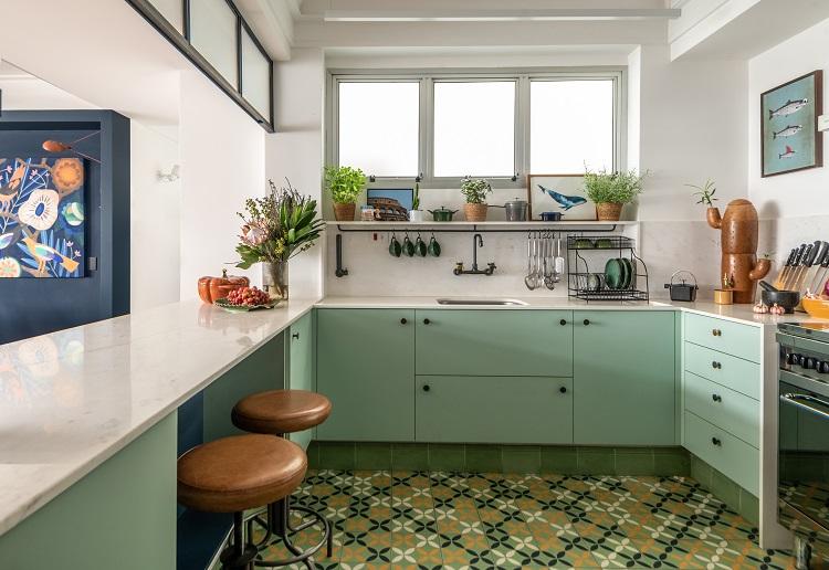 Bancada do lado da cozinha