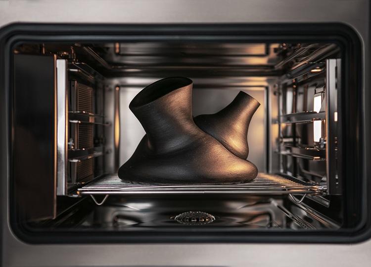 Cerâmicas dentro do forno como instalação de arte
