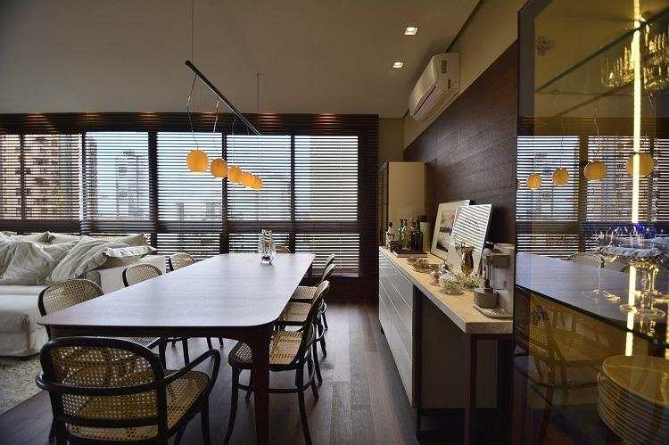Primeiro apartamento projetado por NV Arquitetura: vista do jantar