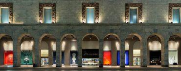Vista da loja Rinascente situada na Galleria Vittorio Emanuele II
