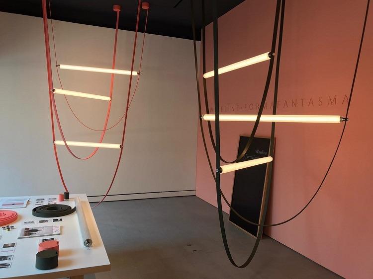 Showroom da Flos em Milão (foto Mariana Prestes/Studio Prestes)